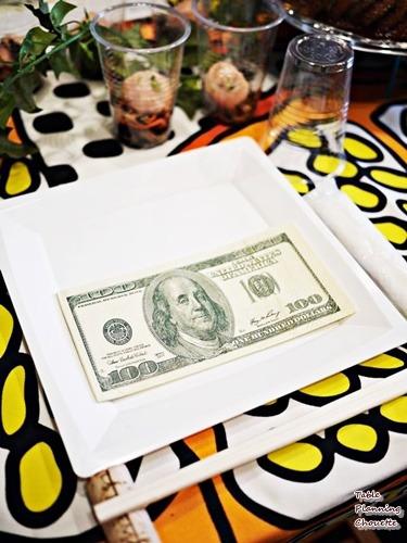 紙幣柄のナプキン