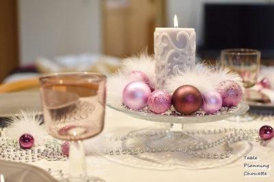 ピンク&グレーのクリスマステーブル