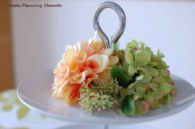 三段トレイにお花を飾る