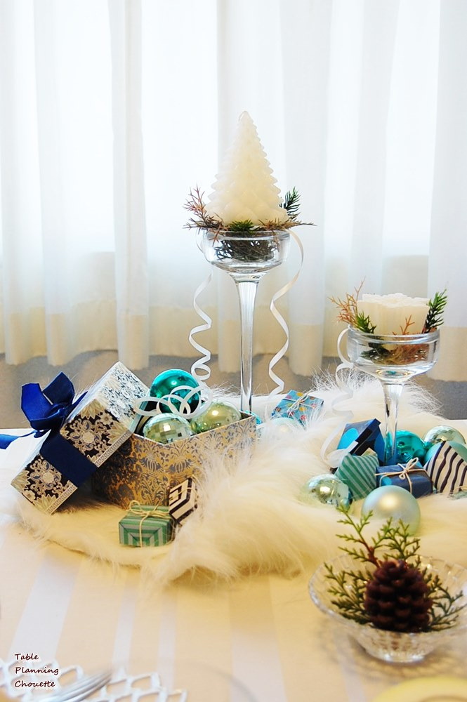 ブルー&ホワイトのクリスマステーブル