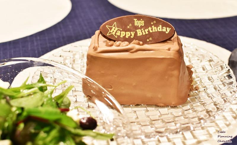トップスのミニ誕生日ケーキ