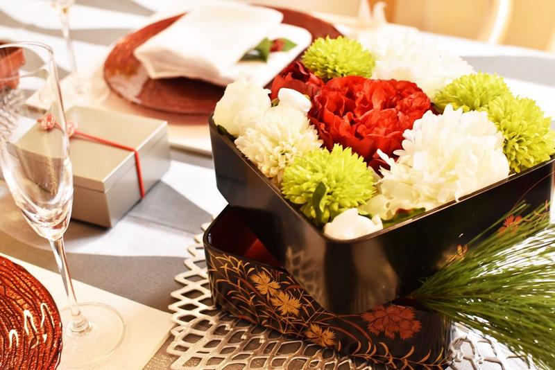 お重にお花を飾る