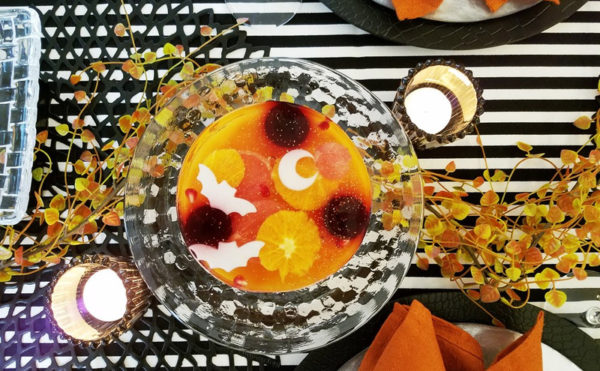 黒とオレンジのハロウィンテーブル