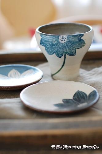 大谷桃子さんのハスの花のフリーカップと豆皿