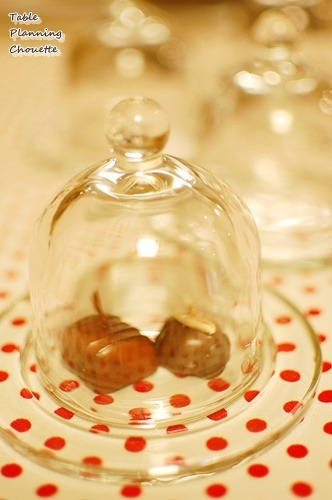 ドーム型のガラスの器