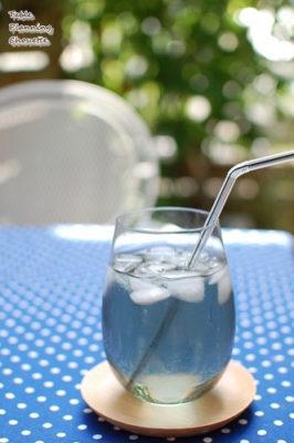 リーデルのオーというシリーズに似たグラス