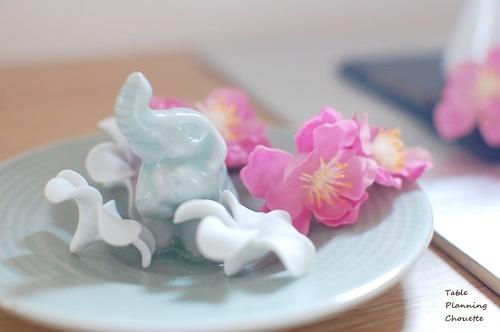 ゾウと桃の花