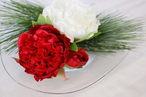 ガラスの器にお正月の花を飾る