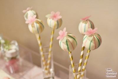 雛祭りカラーのケーキポップス