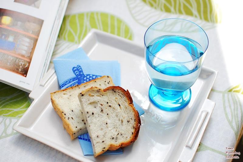 ブルーのグラス
