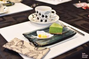 辻利の宇治抹茶チーズケーキ と おいり