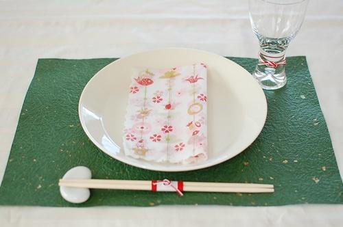 和紙と和柄の紙ナプキンと紅白の水引