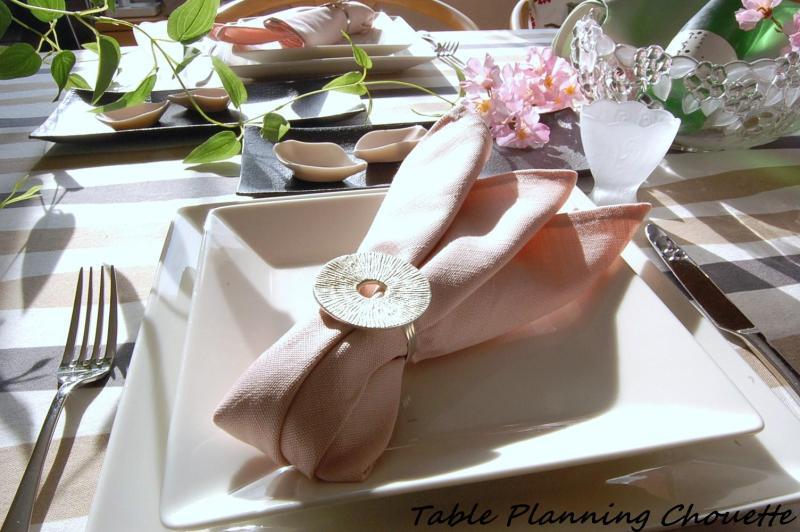 桜のランチテーブル