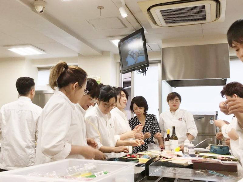 専門学校で日本料理を学んでる生徒さんに水引のレッスンをしてきました♪