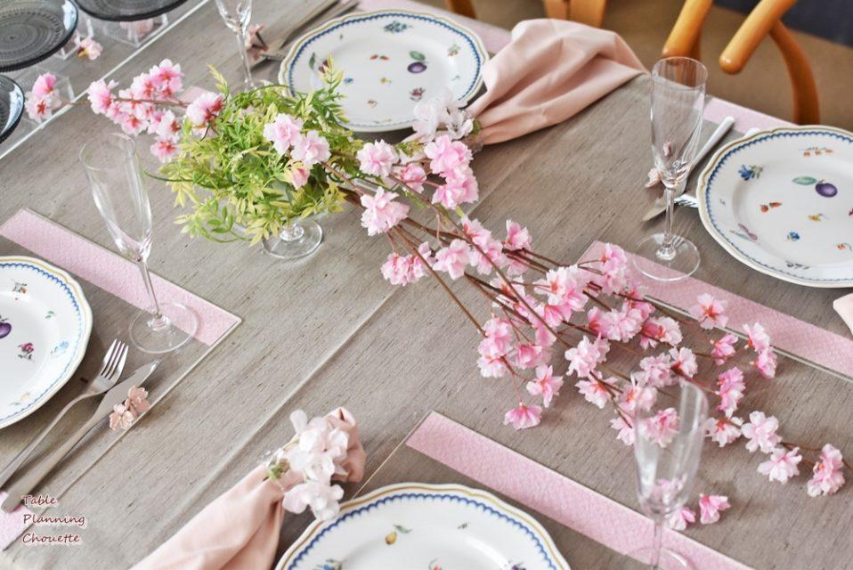桜のテーブル